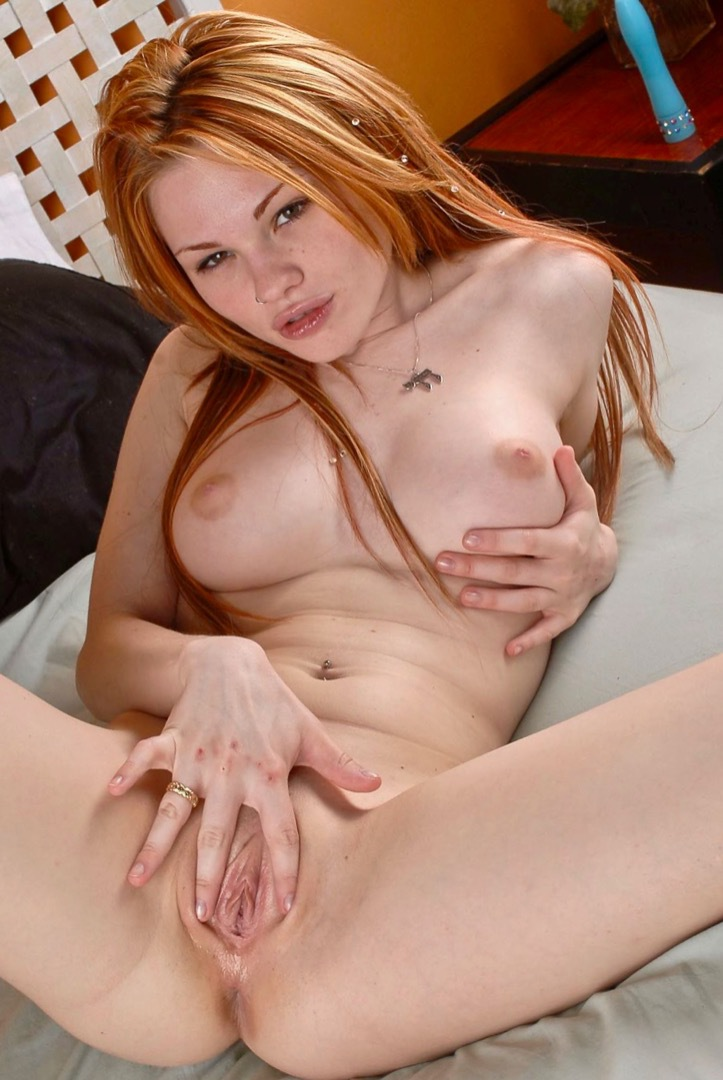 lucy fire licks a pussy for the first time