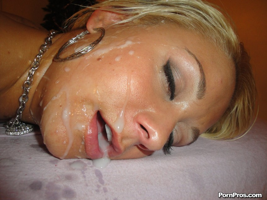 good time girl wearing under those hot lights no wonder she wanted #mistressblunt #owengray #blowjob