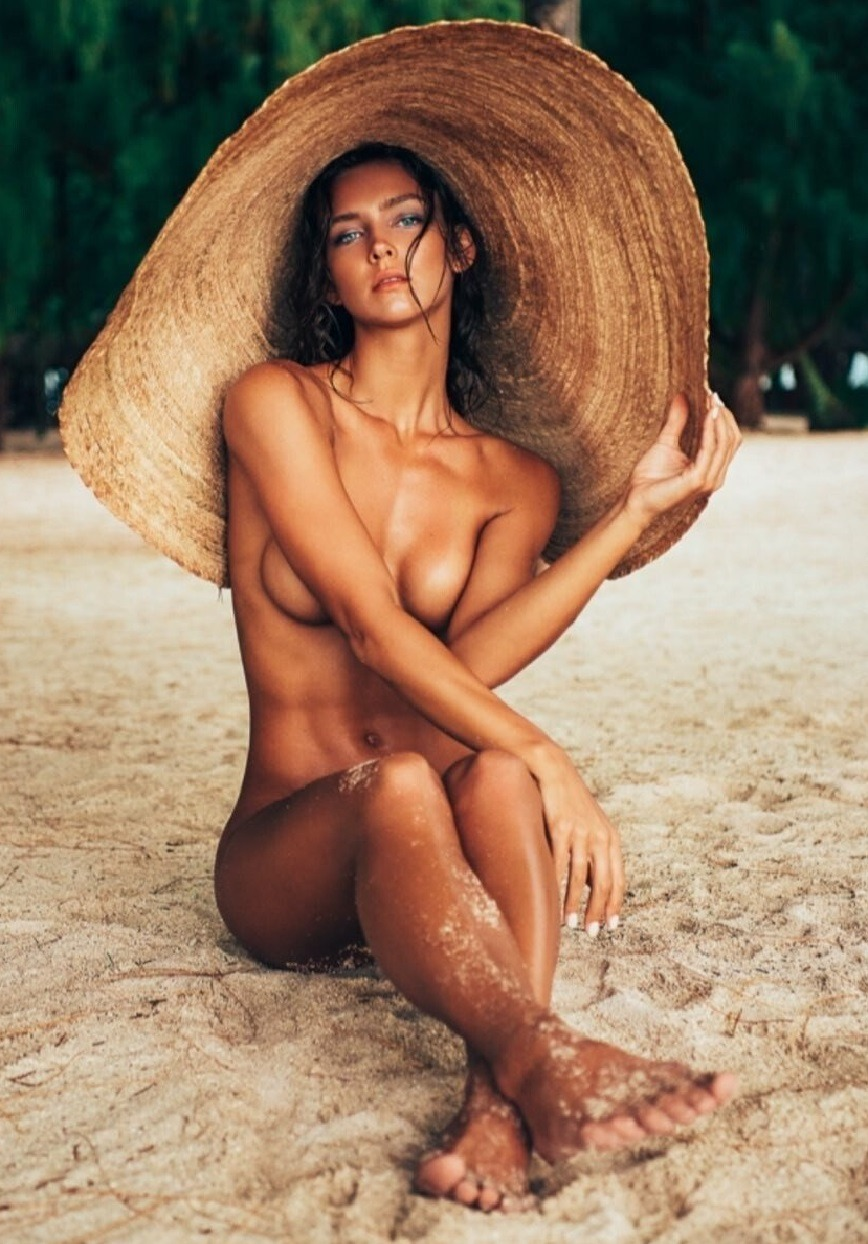what gets you hot acidgifer capri cavanni lex #outdoors,  #nude,  #armbra,  #amazingeyes,  #tanned,  #fit,  #beack,  #eyecontact,  #hat