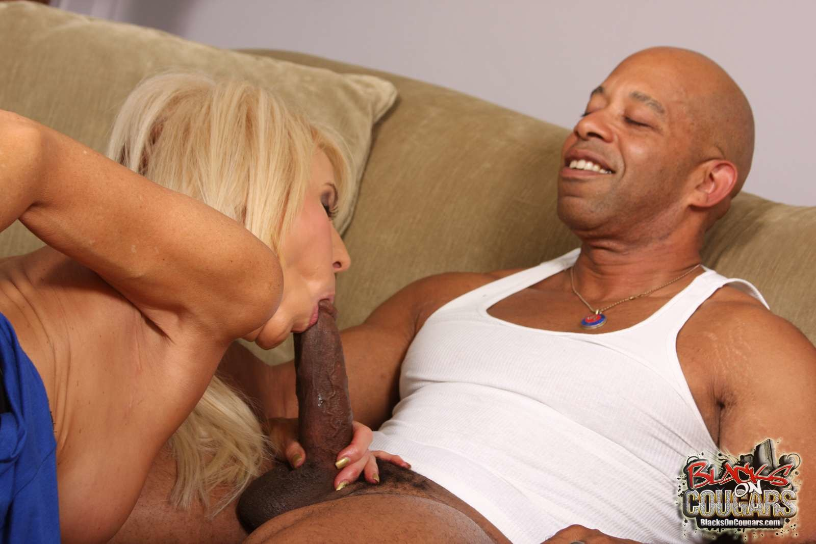 anal fuck for pretty blonde babe